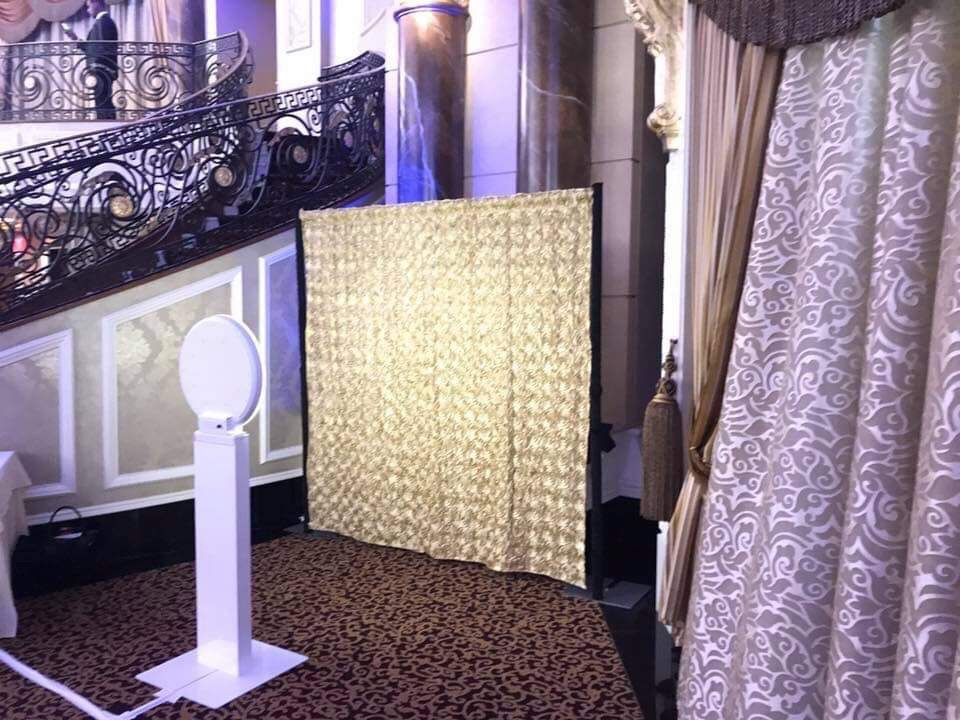 Picture Perfect Photobooth- Selfie Station backdrop